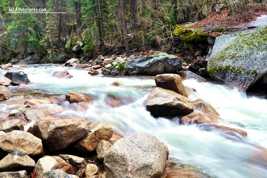 yosemite-rushing-water